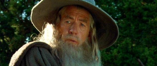 Gandalf-the-Grey-Fellowship-of-the-Ring-gandalf-35160265-900-380